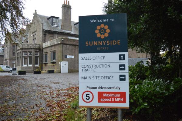 Welcome to Sunnyside sign