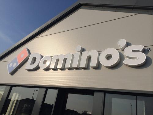 dominos restaurant signage