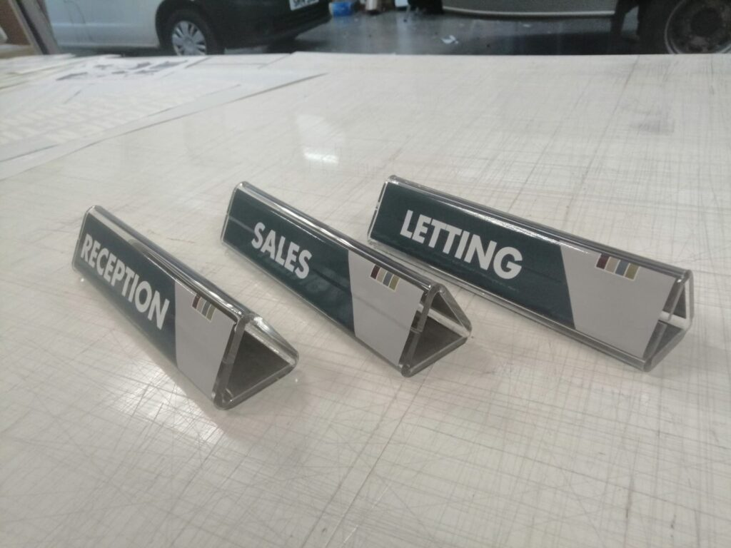 Reception, sales and letting table signs